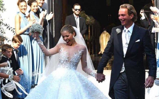 Спадкоємиця легендарного бренду вразила світ весільною сукнею