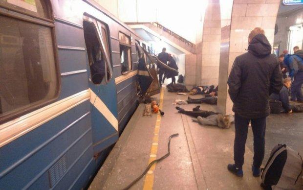Теракт в метро Пітера обростає новими подробицями