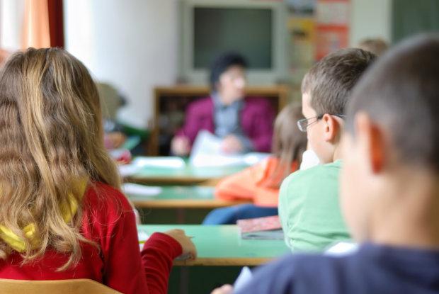 """Буллинг учителей: в киевской школе гремит скандал, - вот, что придумали """"детки"""""""