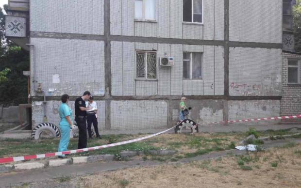 Семья аферистов покинула суд через окно третьего этажа
