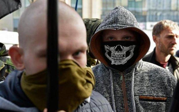 Побиття пенсіонера в Києві: радикали публічно познущалися над кривдником