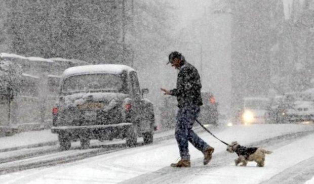 Киевляне посоветовали Кличко убирать снег лазером