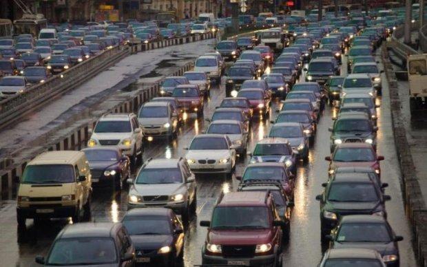 Как транспортный коллапс столицы съедает бюджетные деньги