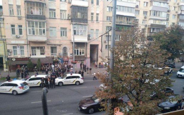 Драка, стрельба, толпы полиции: в Киеве происходит что-то страшное