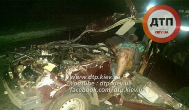 Небезпечні маневри на дорозі закінчилися смертельним ДТП