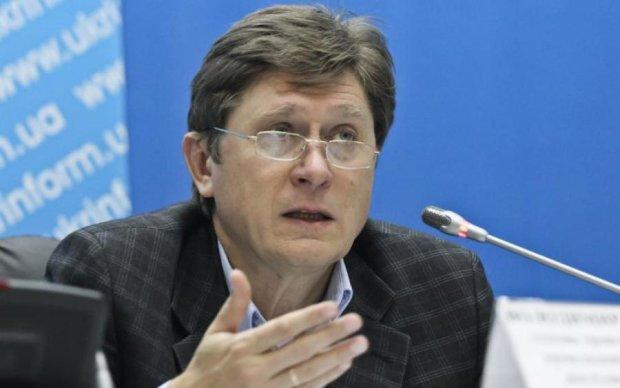"""Эксперт рассказал, как будут """"покупать"""" украинцев перед выборами"""