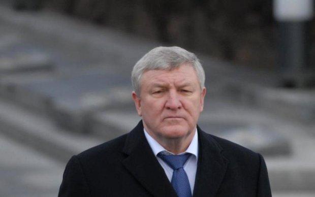 Лукашенко приютил недобитка Януковича