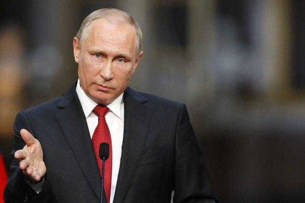 Путин встретился со своим последним союзником: безысходность президента России высмеяли в сети