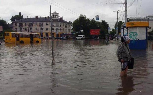 Природа чинить опір Путіну: реакція в мережі на потоп в Криму