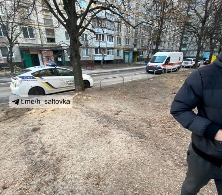 """Харків'янка кинула на вулиці 2-річну дитину і підпалила свою квартиру, сусіди в жаху- """"Нема управи!"""""""