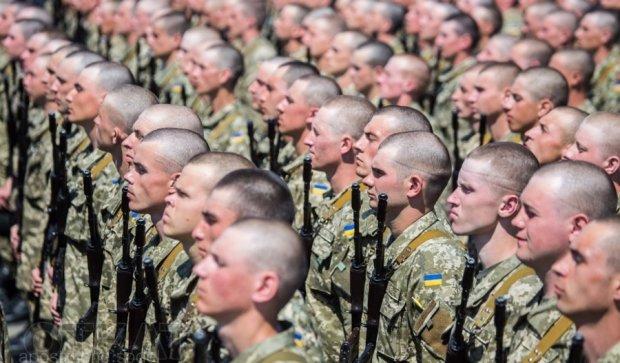 Україна витратить рекордну суму на військо у 2017 році