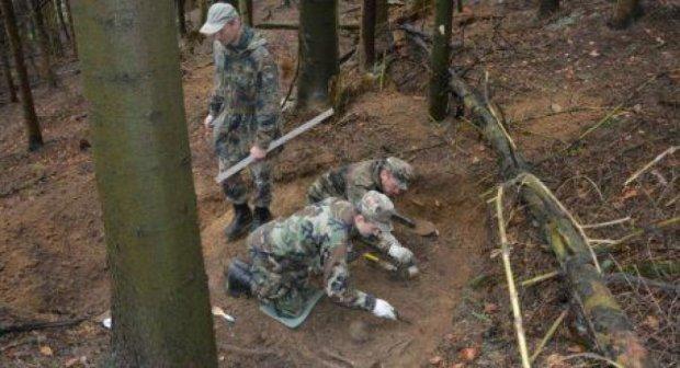 На Львівщині знайшли масове захоронення вояків УПА