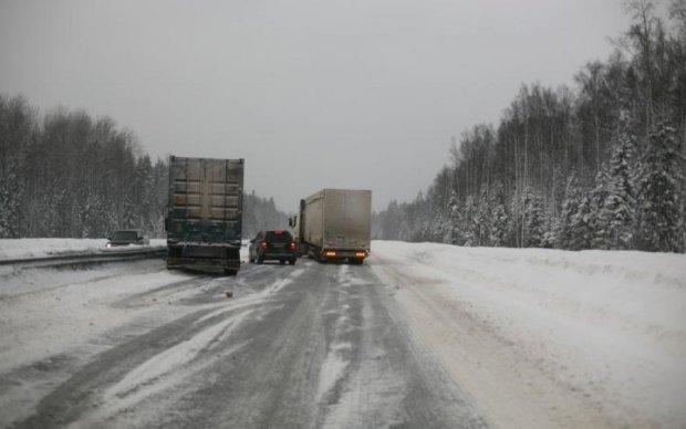 Автобус з українцями розбився під Москвою, є жертви