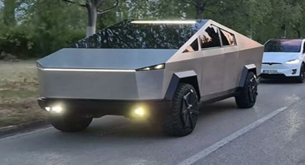 Tesla Cybertruck, скриншот