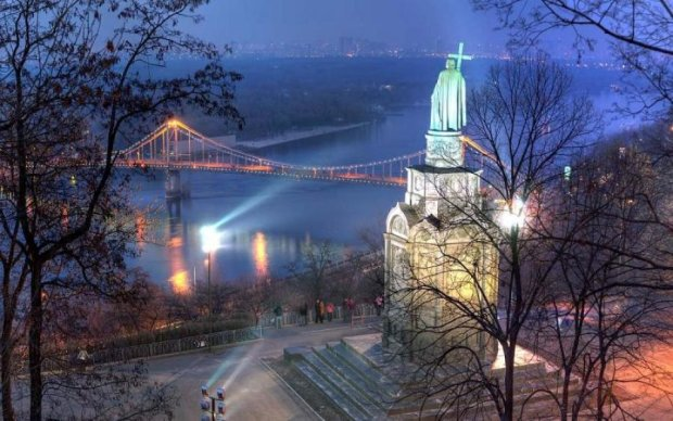 1030 років Хрещення Русі: вірян розділять у найбільше свято