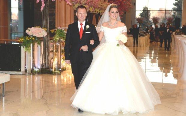 Вдова Вороненкова на девятый день даст концерт в подвенечном платье