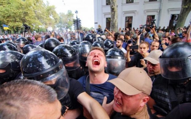 Під стінку і розстріляти! Українці згуртувались проти нардепів