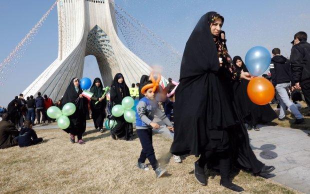 Как ненависть к геям сделала Иран столицей трансгендеров: невеселая история бородатой мусульманки
