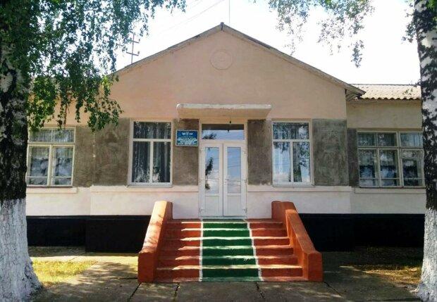 На Хотинщині реконструюють школу-інтернат