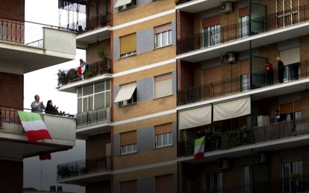 флешмоб в Италии и Испании, скрин с видео