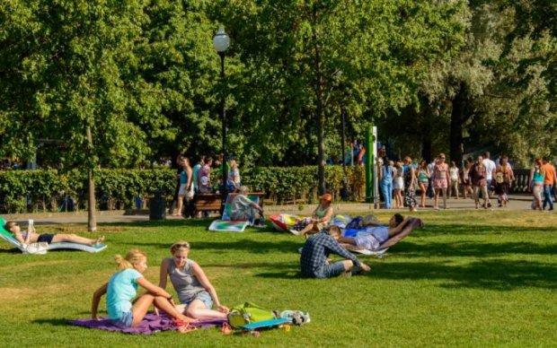 Погода на 9 квітня: весна подарує українцям по-справжньому спекотний день