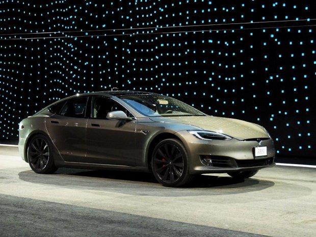Apple практически купила Tesla, однако резко передумала