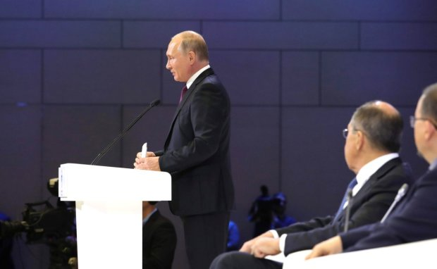 Главное за ночь: смерть Путина, заложники ID-карт и попы-предатели