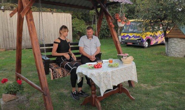 Похудевшая Леся Никитюк съела ежика и облизнулась на камеру