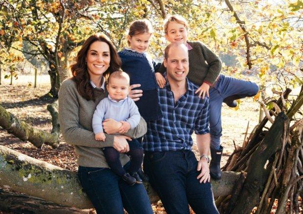 Всі разом: Кейт Міддлтон та принц Вільям показали зворушливі сімейні фото з дітьми