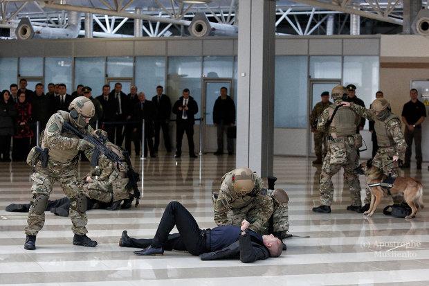 Украина непускает встрану граждан России , прибывших из Беларуси