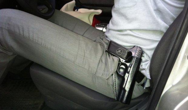 На Рівненщині у начальника міліції із сейфа викрали табельну зброю
