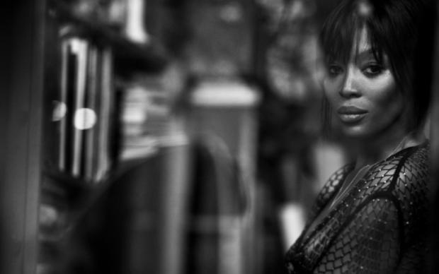 Магический топлес: Наоми Кэмпбелл отдалась легендарному фотографу