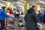 черги в магазинах, скріншот з відео
