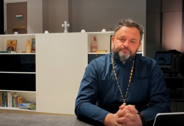 священник УПЦ Ростислав Валихновский