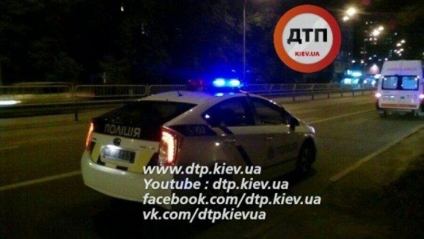 Каскадер-неудачник выпал из кондиционера киевского магазина