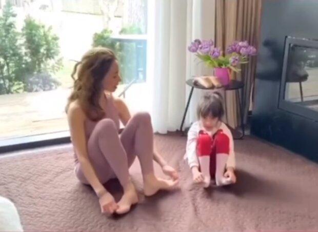 Екатерина Кухар с дочкой, фото Facebook