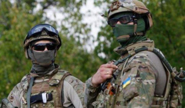 В День разведчика военные отслеживают вражеские позиции