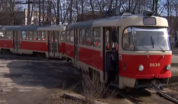 """Водій трамвая розкрив правду про пекельну роботу в Київпастрансі: """"Торгівля маршрутами і ганебне кумівство"""""""