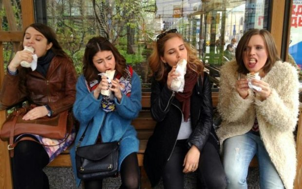 Отруєння шаурмою в Києві: озвучено страшні цифри