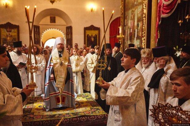 Покрова Пресвятої Богородиці 2019: найкращі привітання з святом у віршах