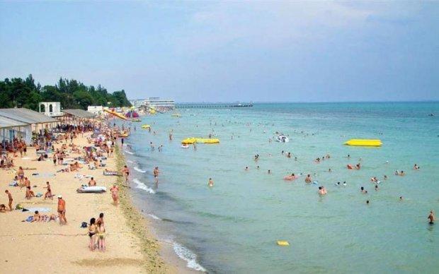 Рідкісна аномалія на Чорному морі налякала туристів до чортиків: фото