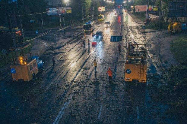 Люта стихія обрушилася на Верховну Раду, українці затамували подих