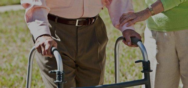 Вчені навчилися лікувати параліч струмом
