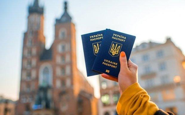 Европа передумала давать Украине безвиз: теперь только с разрешения