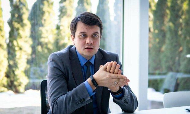 """Омріяне фото Разумкова з'явилось в мережі, радощам немає меж: """"Офіційно слуга народу"""""""