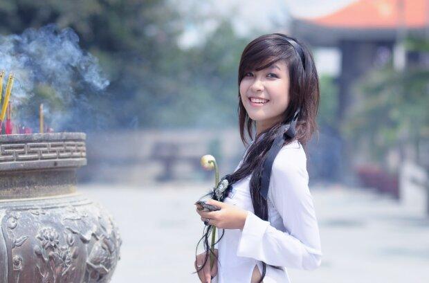 """Секрет краси по-корейськи - догляд за обличчям методом """"424"""" тонізує і омолоджує"""