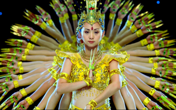 Танець тисячі рук: унікальну виставу зняли на відео