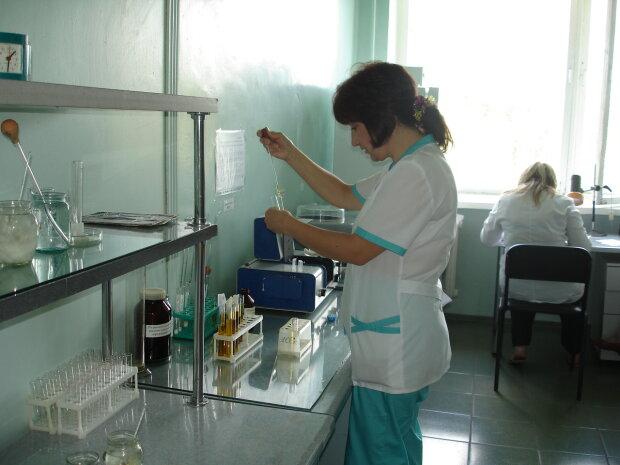 В Украине зафиксировано уже 20 случаев заболевания дифтерии: прививки сделали лишь 50% украинцев