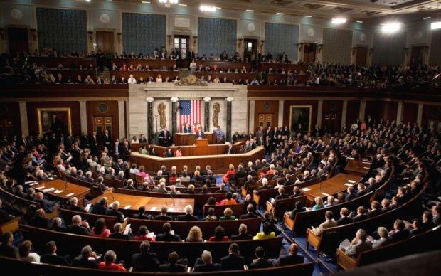 Скандал з United Airlines докотився до Конгресу