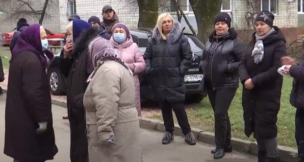У Мінсоцполітики порахували, скільки українців вже подали заявки на 8 тисяч
